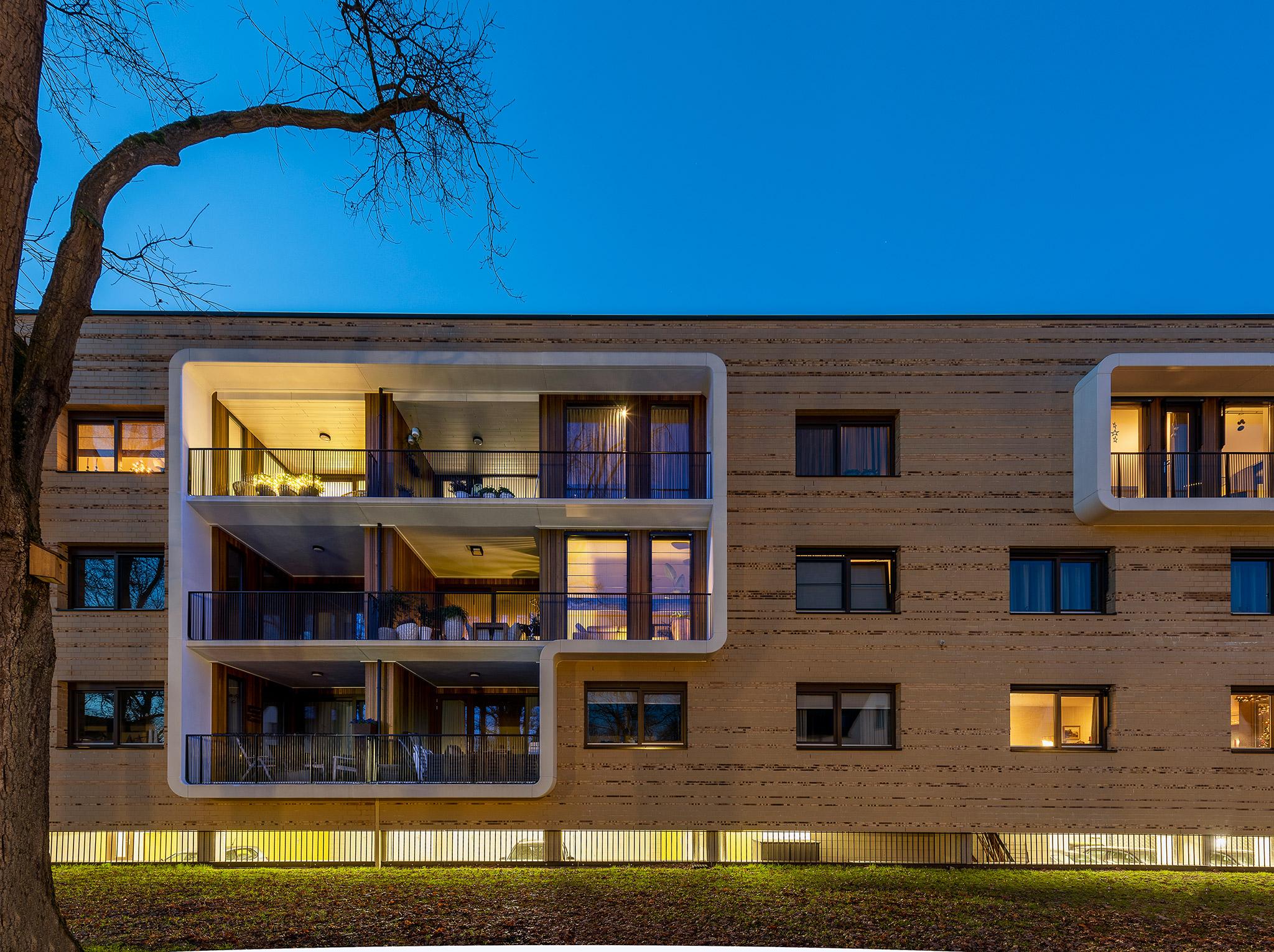 Simone Drost Architecture Planet Pab Architecture Appartementen Stdhouderspark Vught fragment voorgevel bij schemer