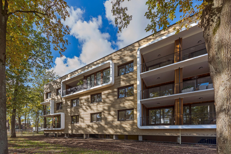 Simone Drost Architecture Planet Lab Architecture Appartementen Stadhouderspark Vught voorgevel in bos